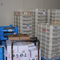 二次発酵を防ぐ為、冷蔵室で10℃以下で保存します。